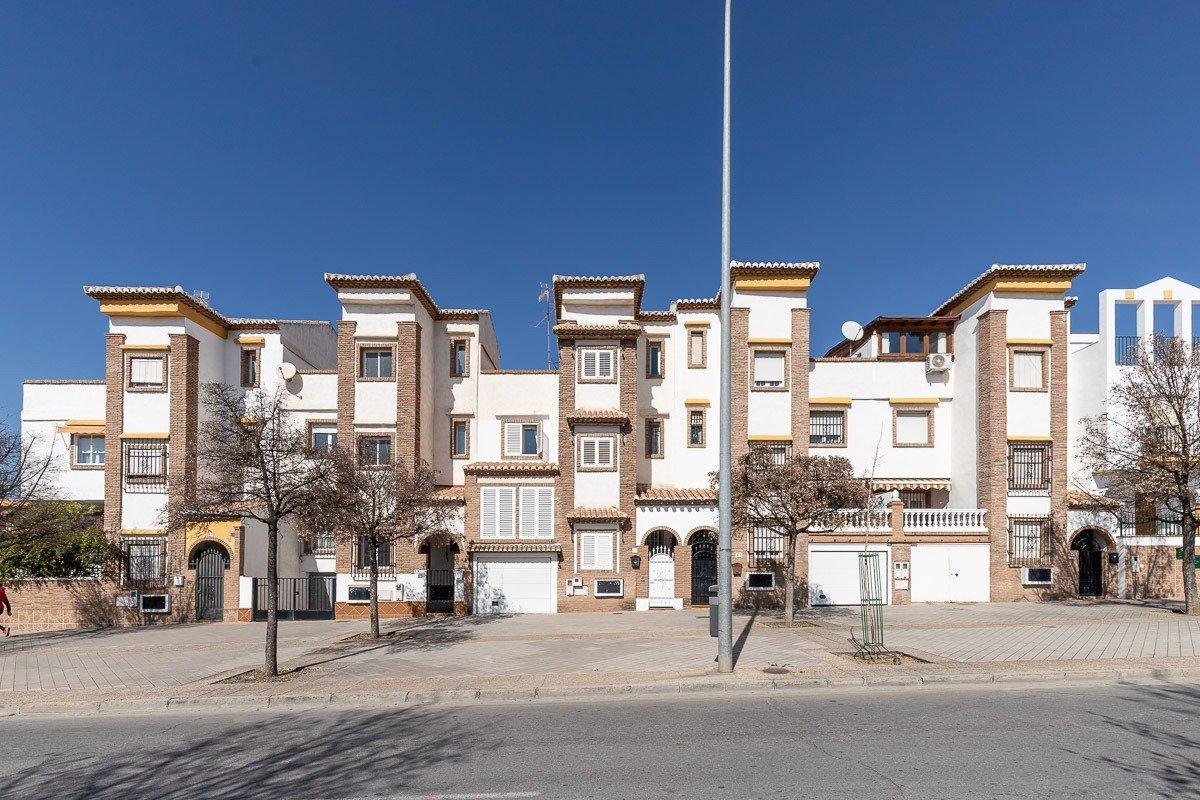 VIVIENDA con encanto en PALACIO DE DEPORTES, Granada