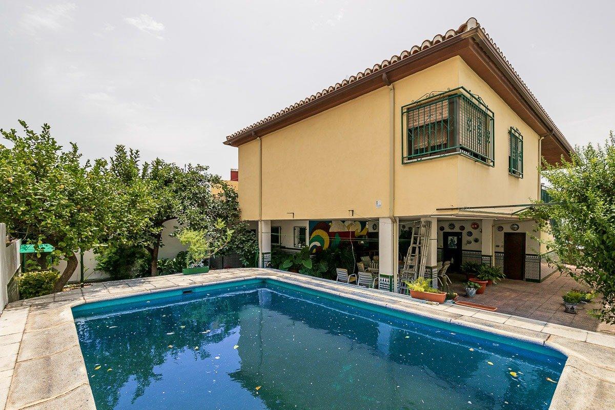 Casa con piscina en Armilla
