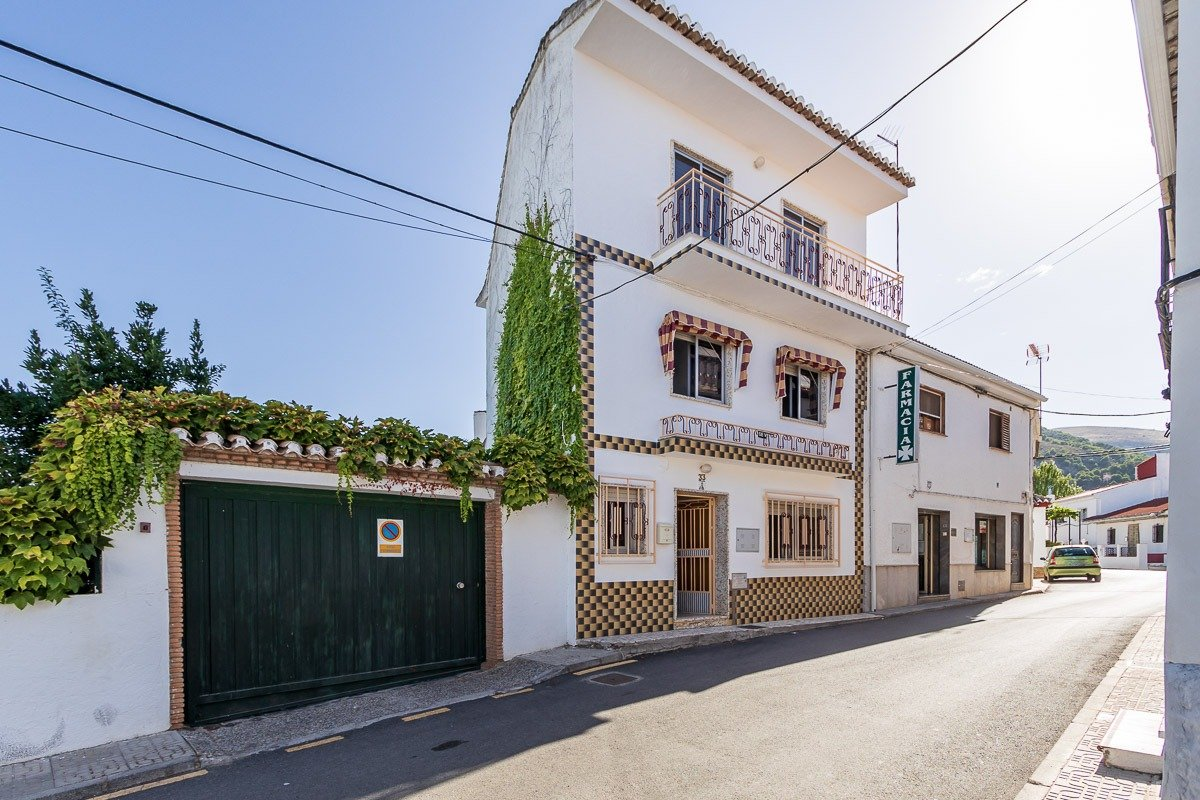 Nivar, Granada
