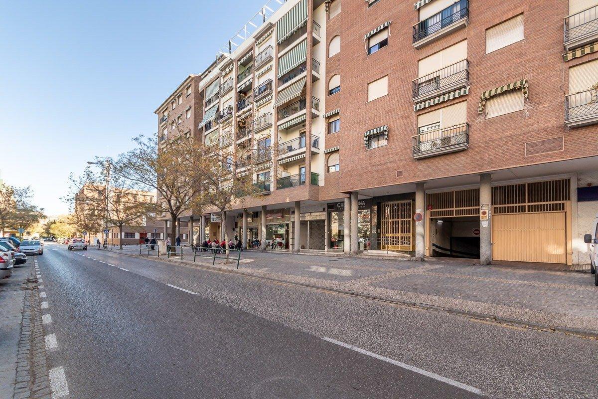 Plaza de aparcamiento, Granada