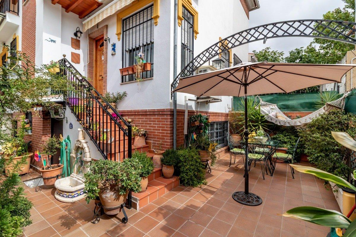 Jun, Granada