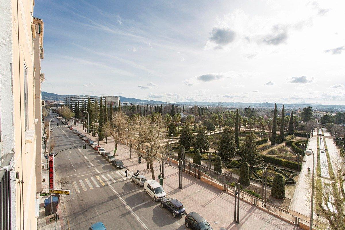 Piso con espectaculares vistas al parque García Lorca., Granada