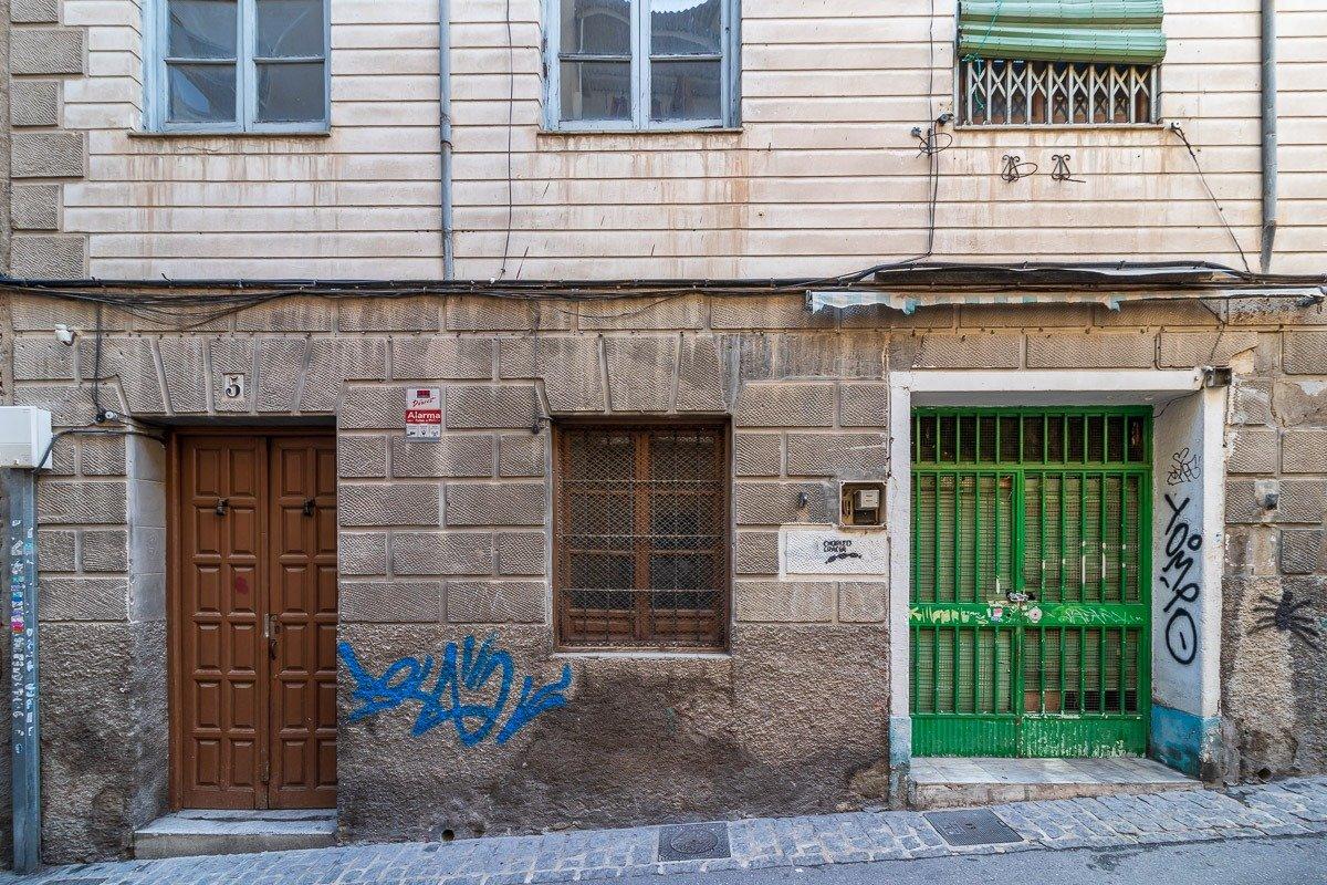 Edificio con 9 viviendas y dos locales – Triunfo