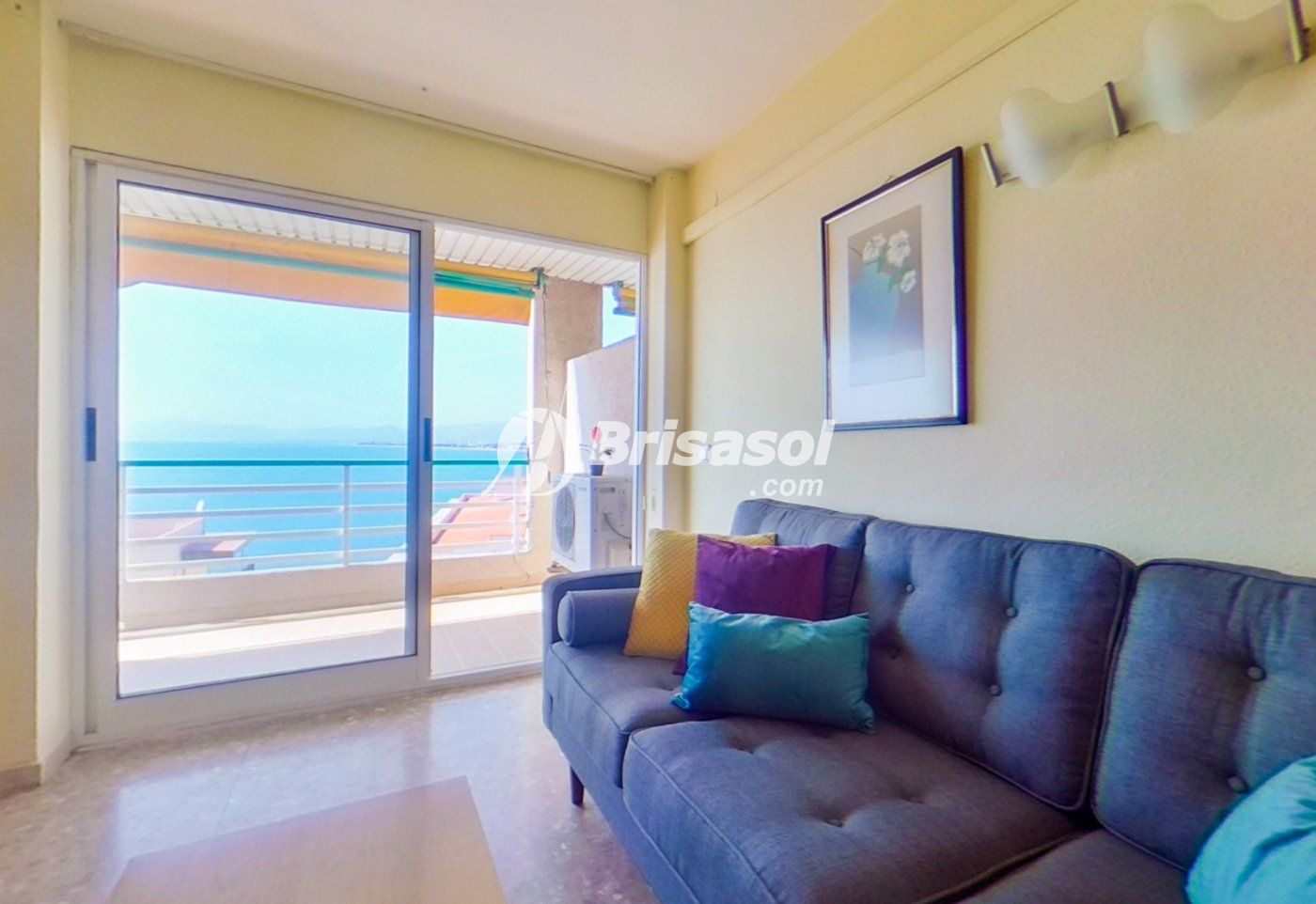 Salou -  Fantástico apartamento en venta con vistas al mar.