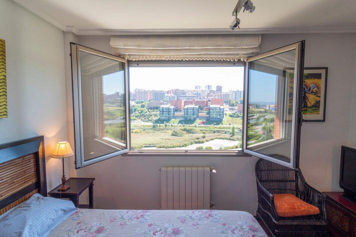 Piso en alquiler en Santander  de 3 Habitaciones, 2 Baños y 114 m2 por 1.100€/mes.