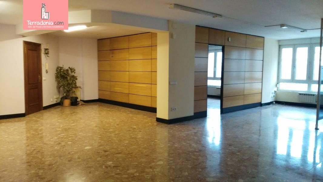 Oficina en alquiler en Santander  de 137 m2 por 1.500€/mes.