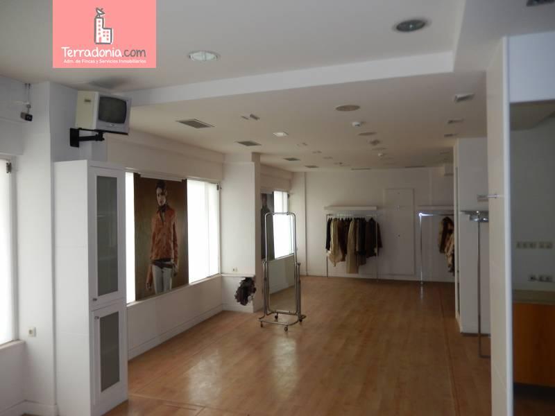 Oficina en alquiler en Santander  de 69 m2 por 800€/mes.