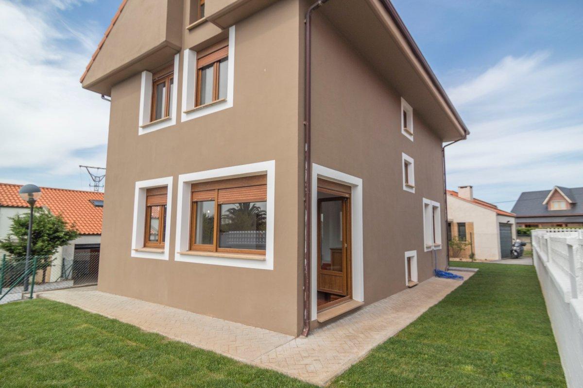 Chalet en venta en Santa Cruz de Bezana  de 5 Habitaciones, 3 Baños y 159 m2 por 330.000 €.