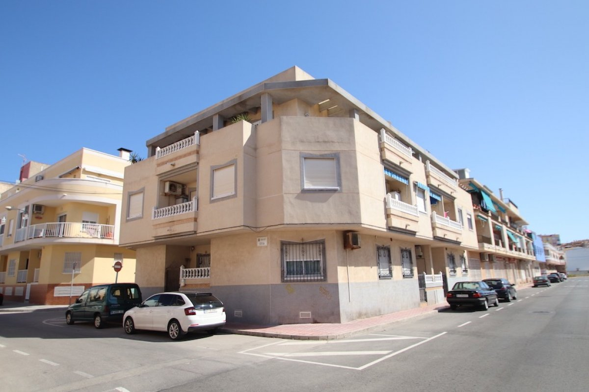 appartement en torrevieja · playa-de-los-locos 79900€