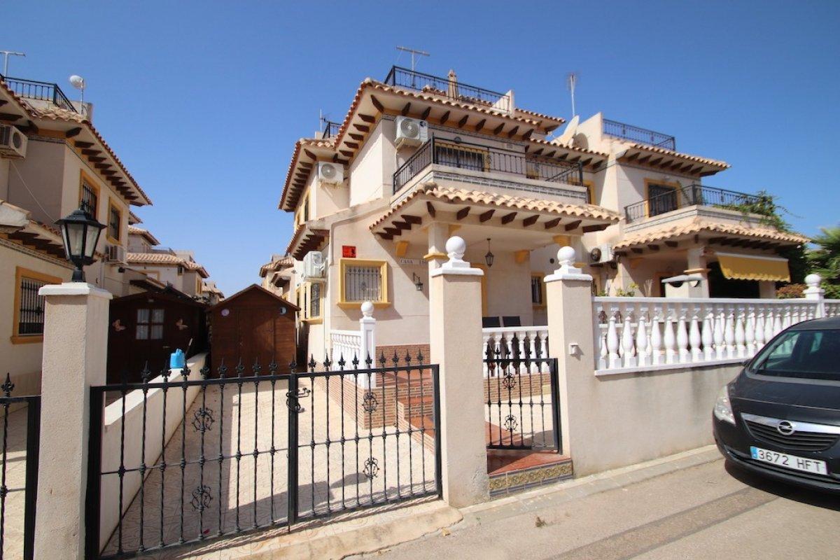 townhouse en orihuela-costa · la-regia 750€