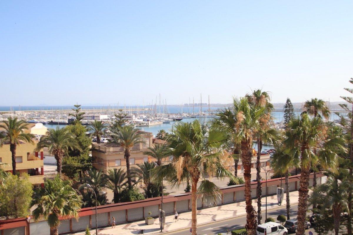 apartment en torrevieja · puerto 700€