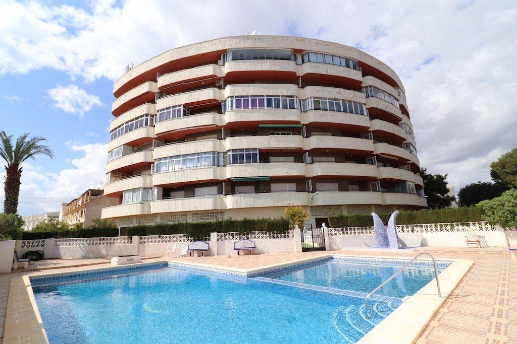 apartment en orihuela-costa · la-zenia 110000€
