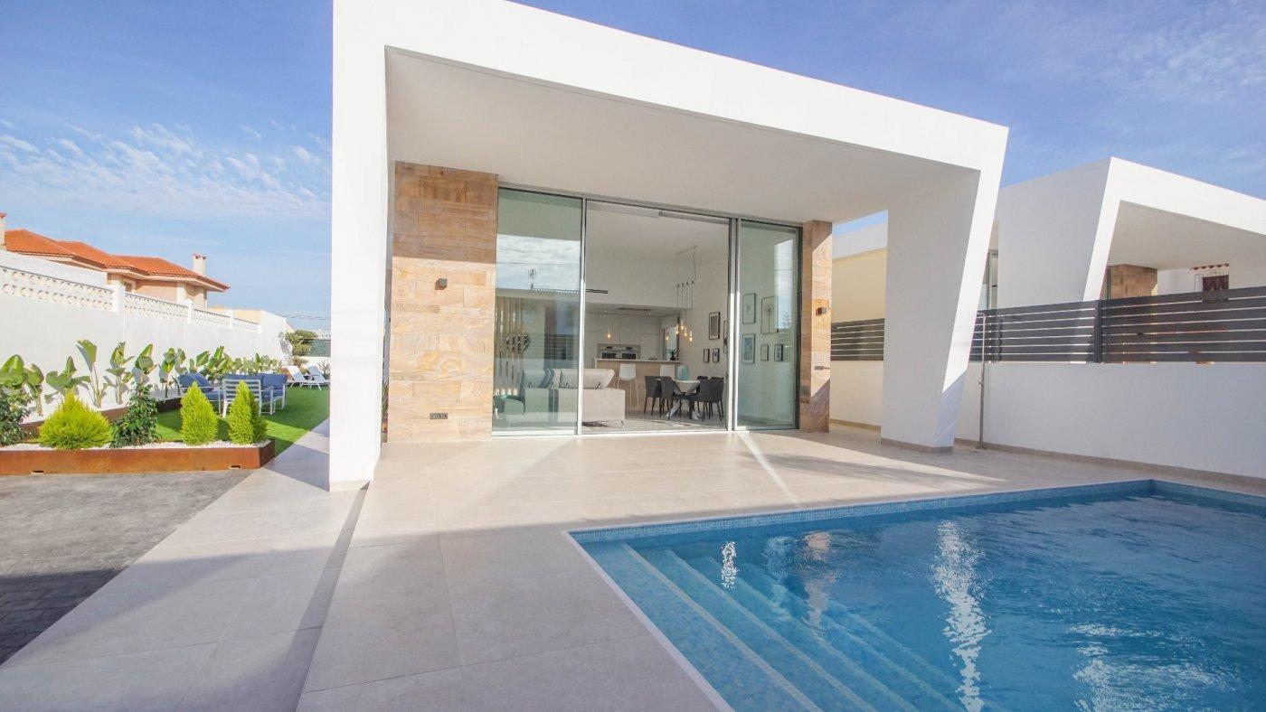 villa en torrevieja · los-balcones 385000€