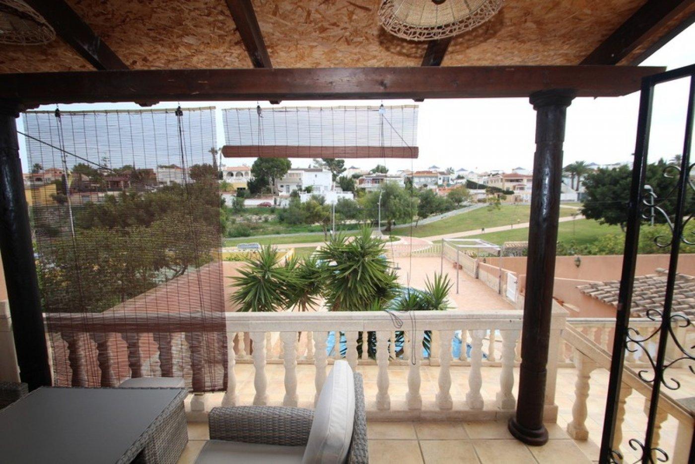 Chalet · Torrevieja · Los Balcones 1.200€ MES€