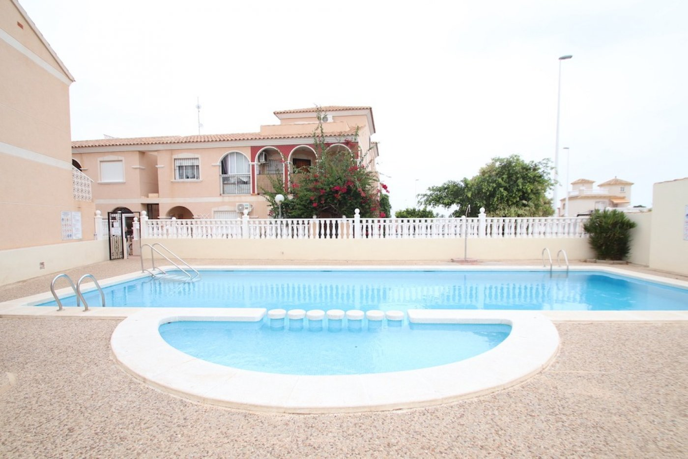 ground-floor en orihuela-costa · la-zenia 115000€