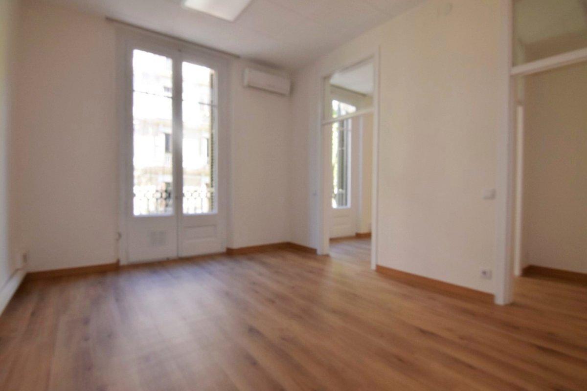 oficina en barcelona · dreta-de-l´eixample 980€