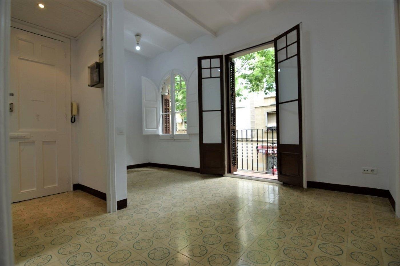 piso en barcelona · sants---badal 705€