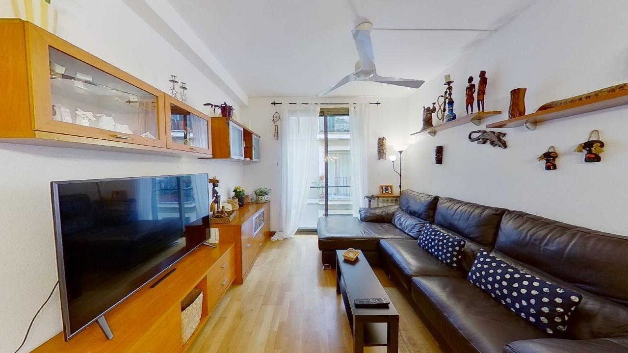 piso en barcelona · el-raval 290000€