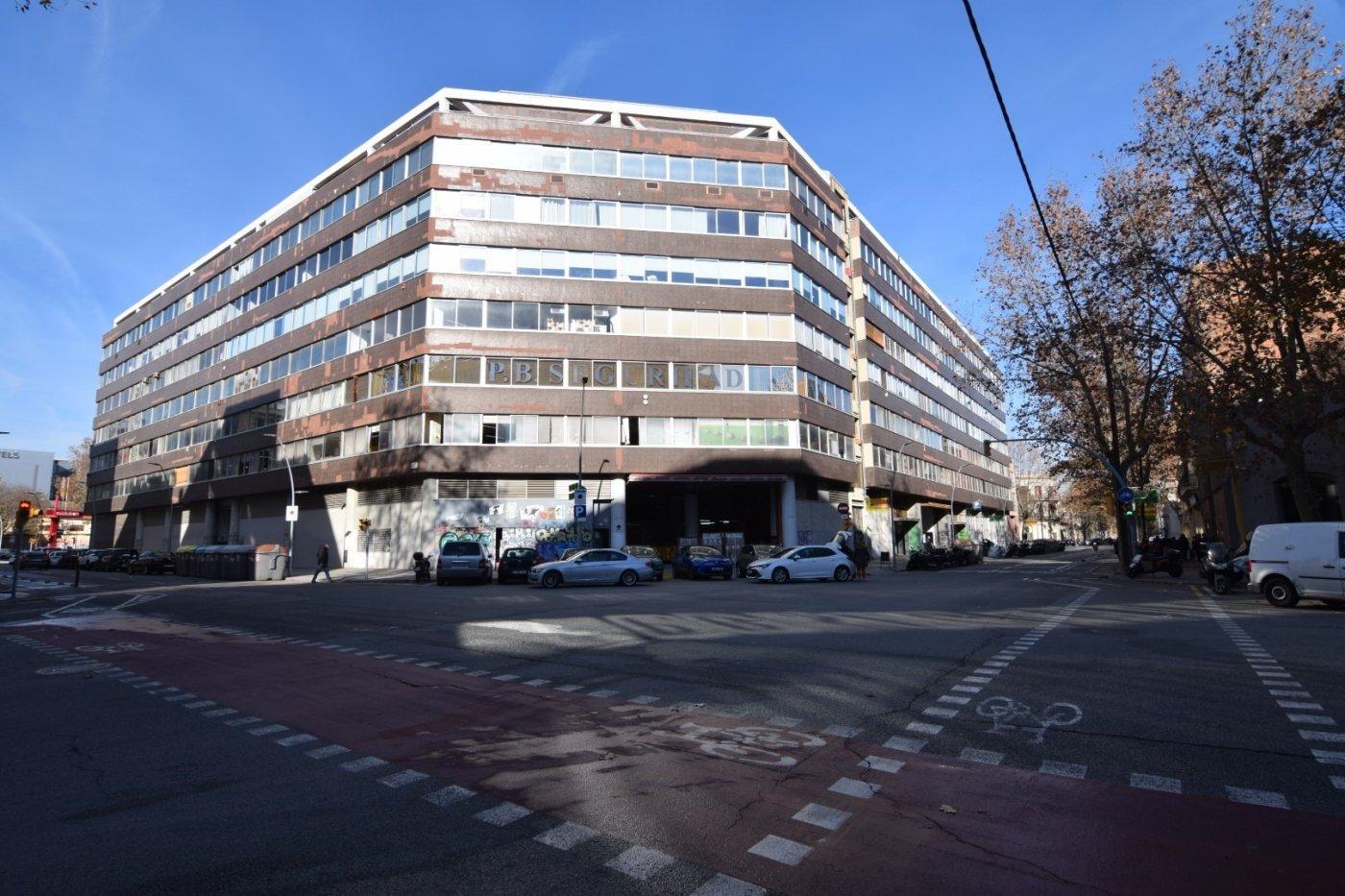 local-comercial en barcelona · el-parc-i-la-llacuna-del-poblenou 1600€