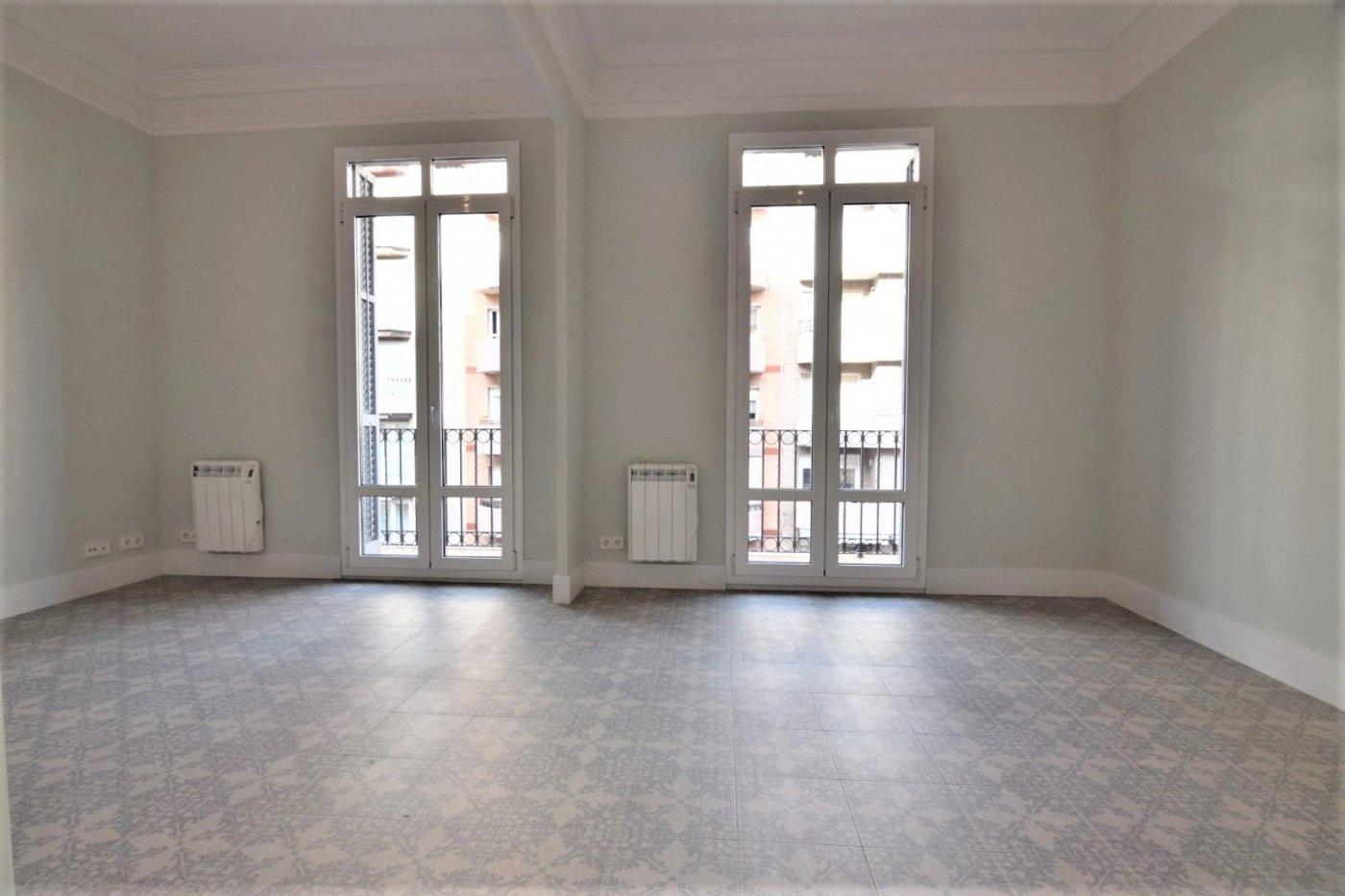 piso en barcelona · l´antiga-esquerra-de-l´eixample 1190€