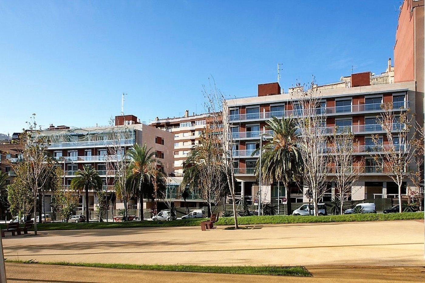 local-comercial en barcelona · vallcarca-i-els-penitents 725€