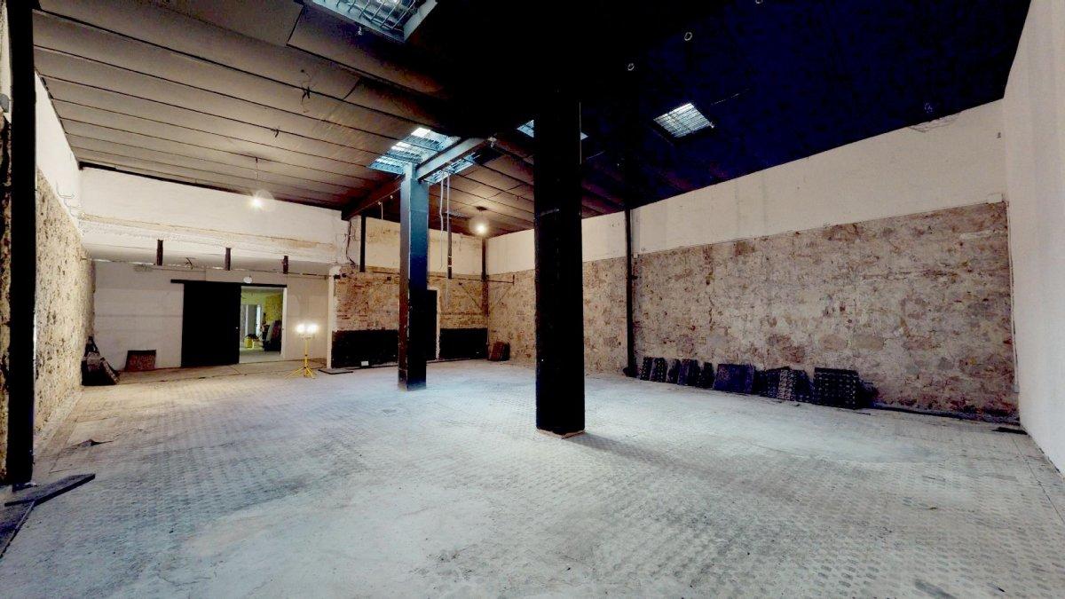 local-comercial en barcelona · el-raval 414000€