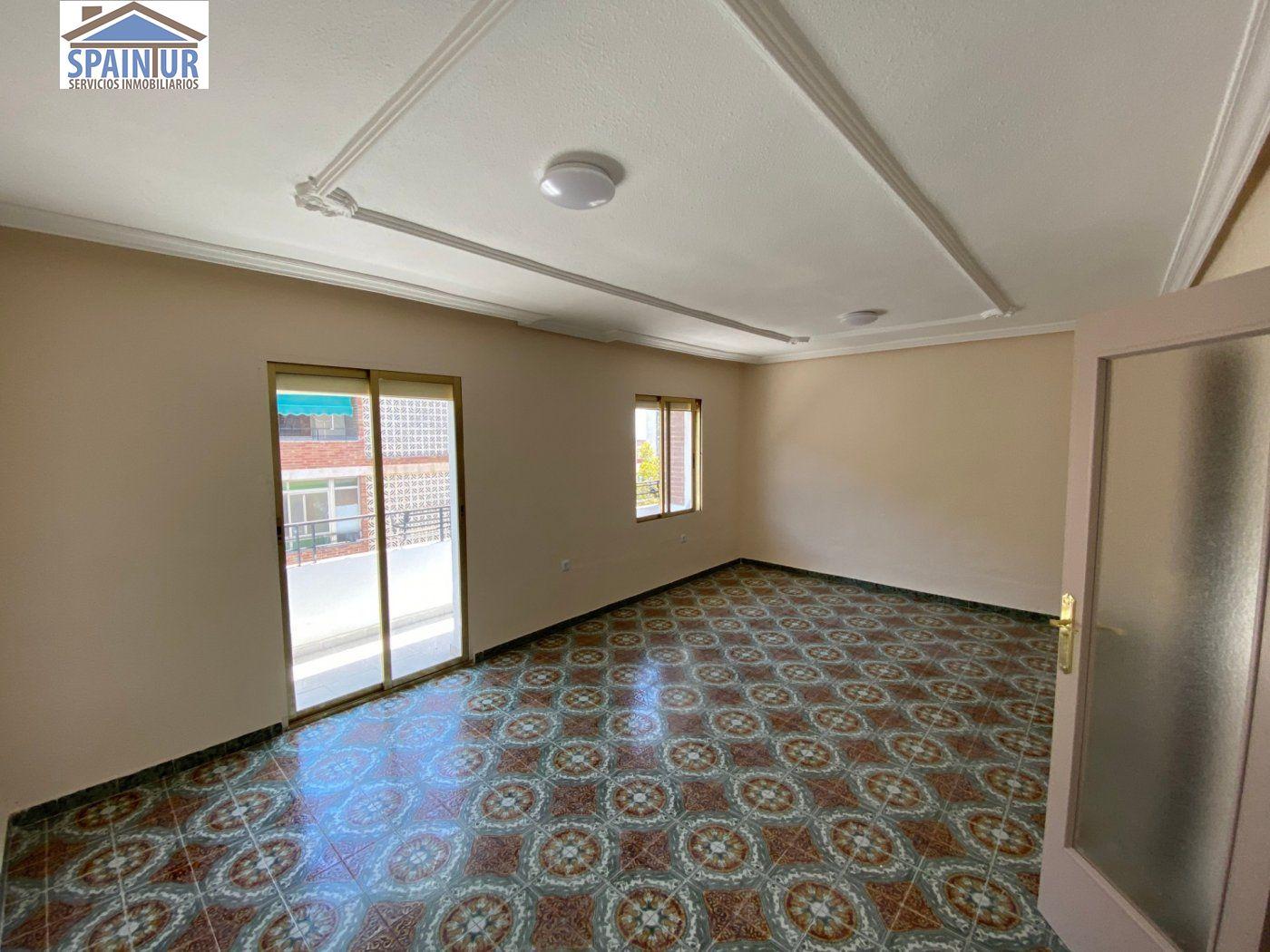 квартира en Alicante · Virgen-del-remedio 49000€