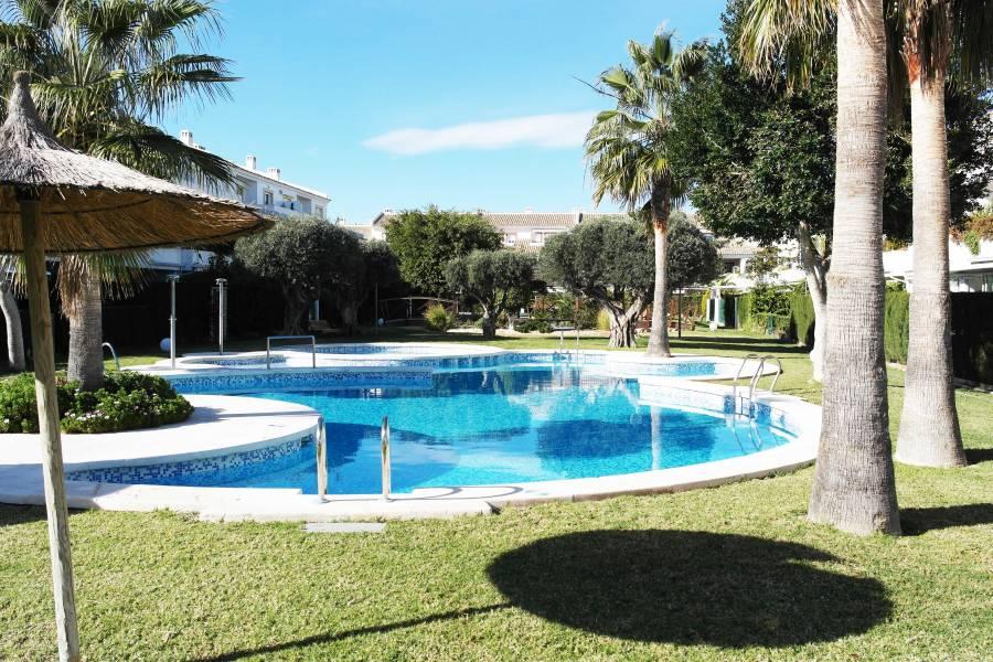 bungalow en san-juan-alicante · golf 285000€