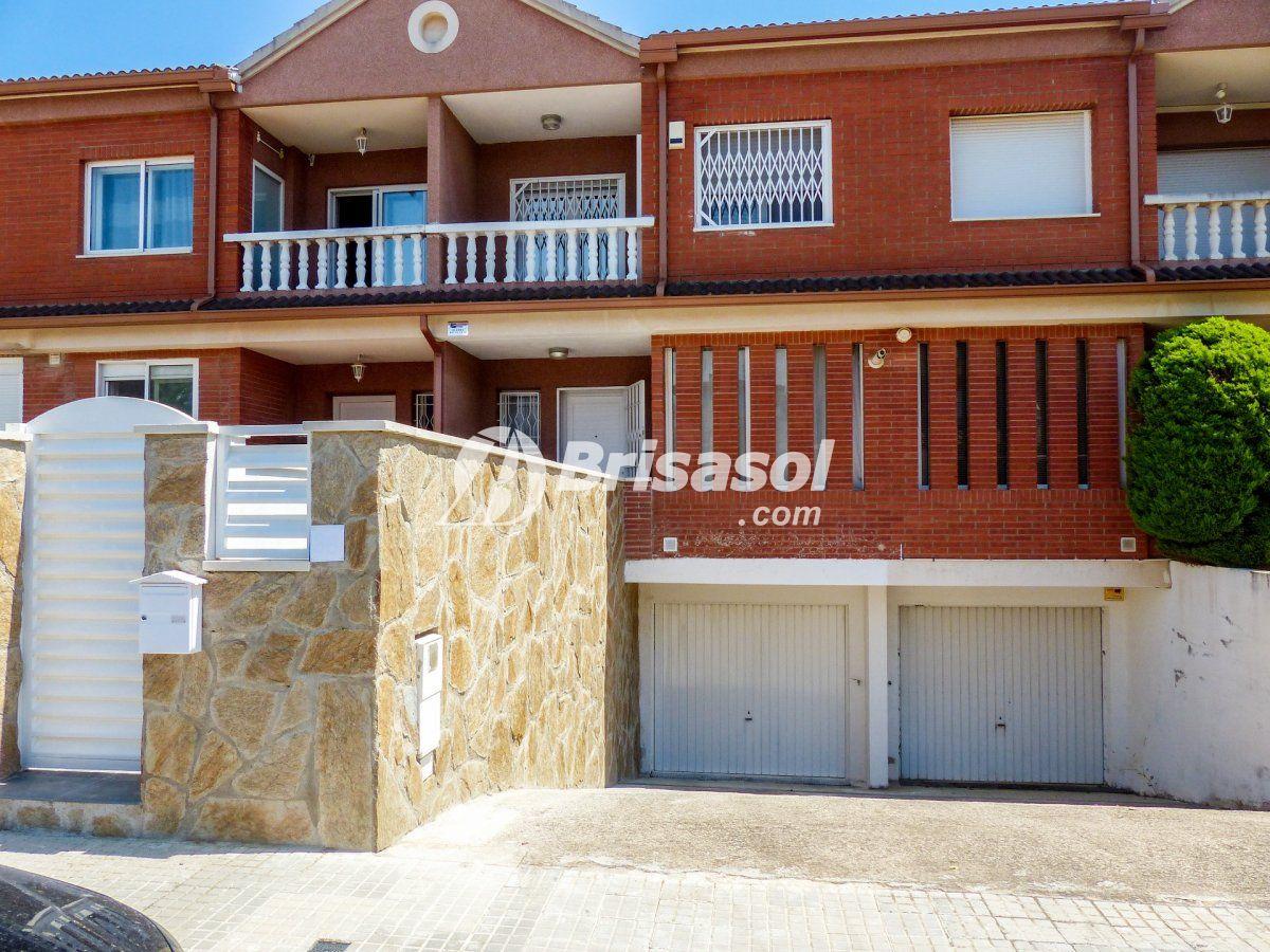 Cambrils - Vilafortuny- Casa adosada en venta.