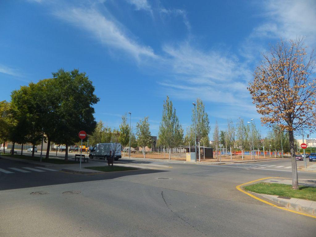 Terreno urbano para edificar tu futura casa, al lado de la avenida Josep Tarradellas, cerca del parque infantil de Valletes. Aprovecha esta oportunidad.