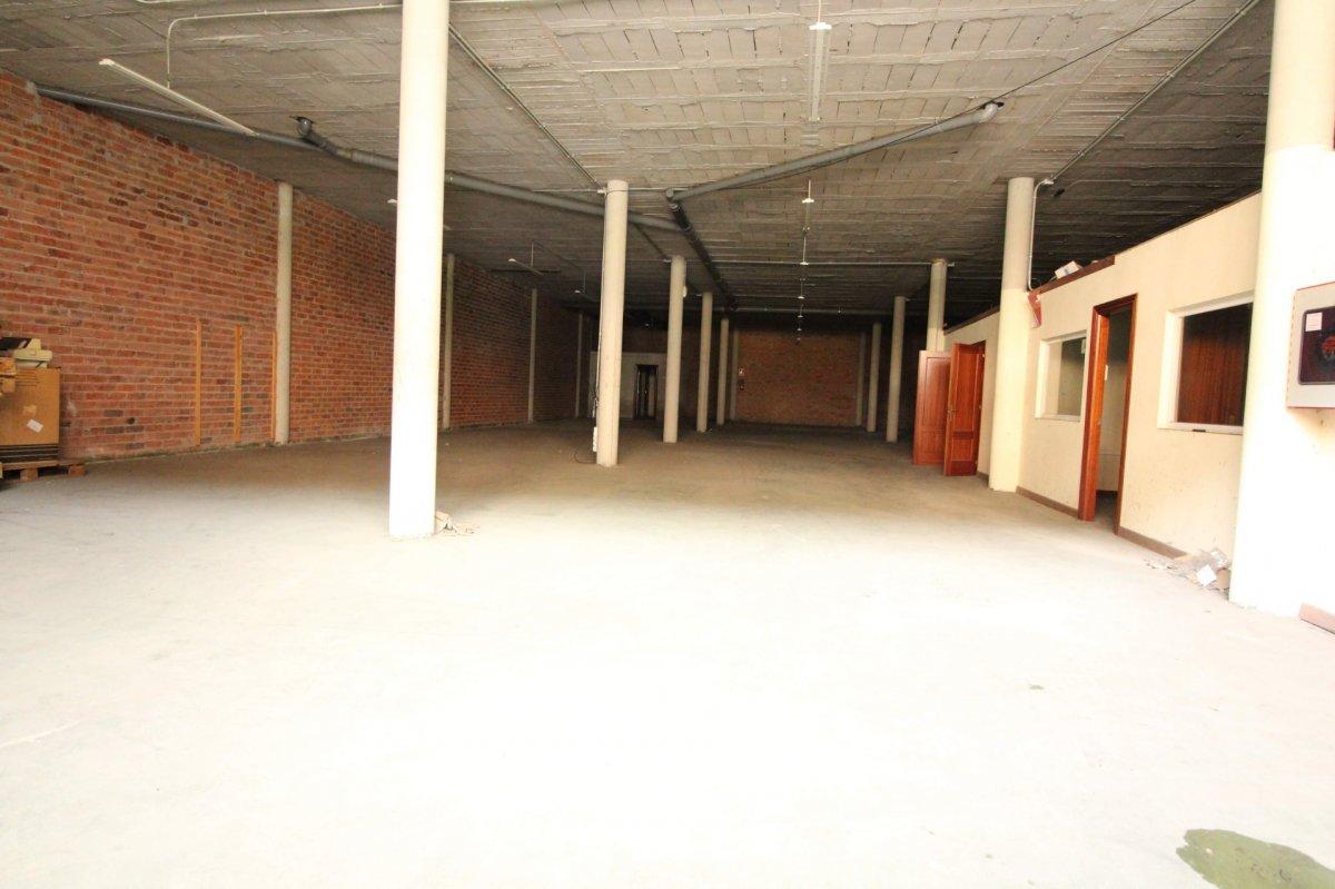 Nave industrial en venta en Santander  de 507 m2 por 249.000 €.