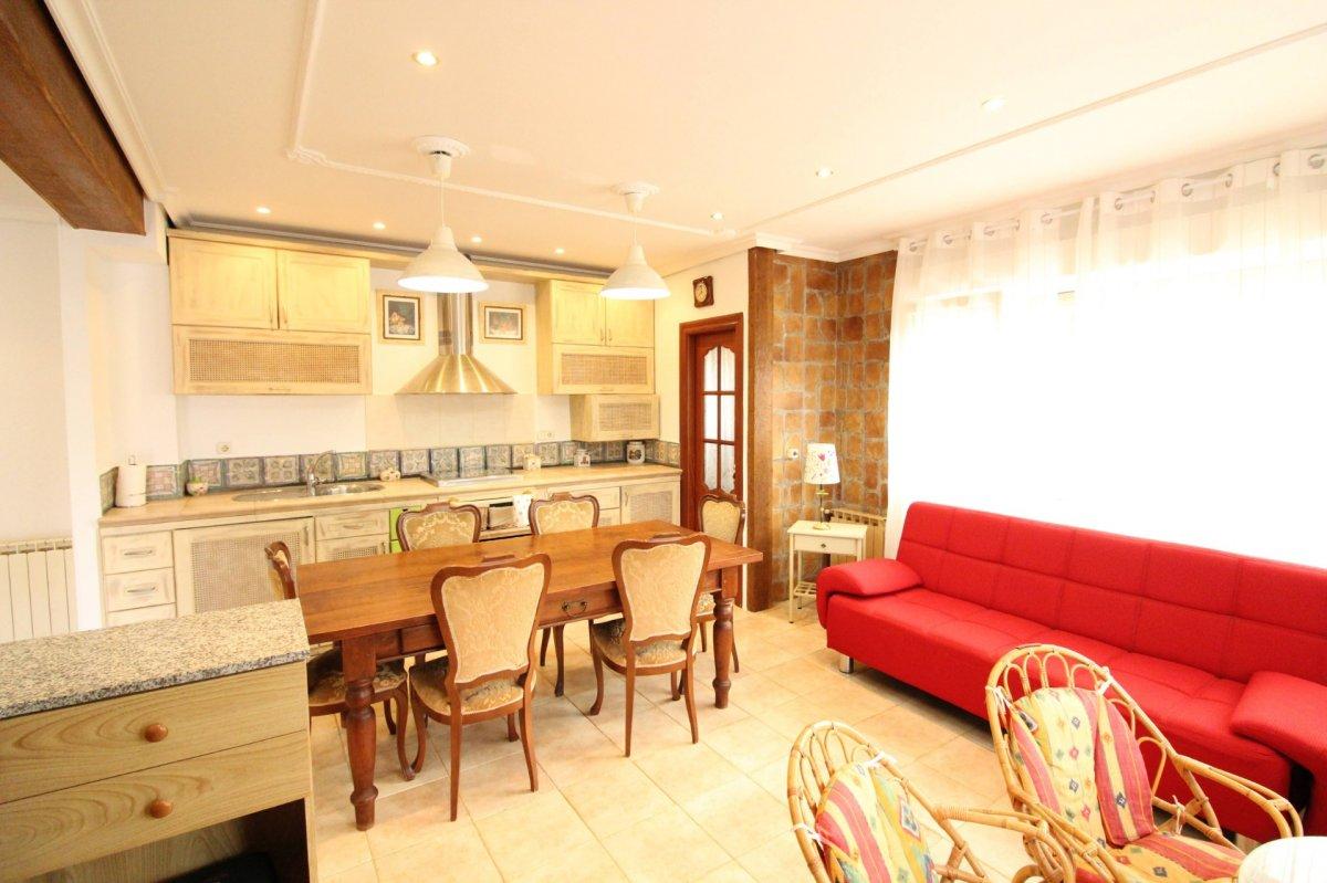 Piso en alquiler en Santander  de 2 Habitaciones, 1 Baño y 81 m2 por 650€/mes.