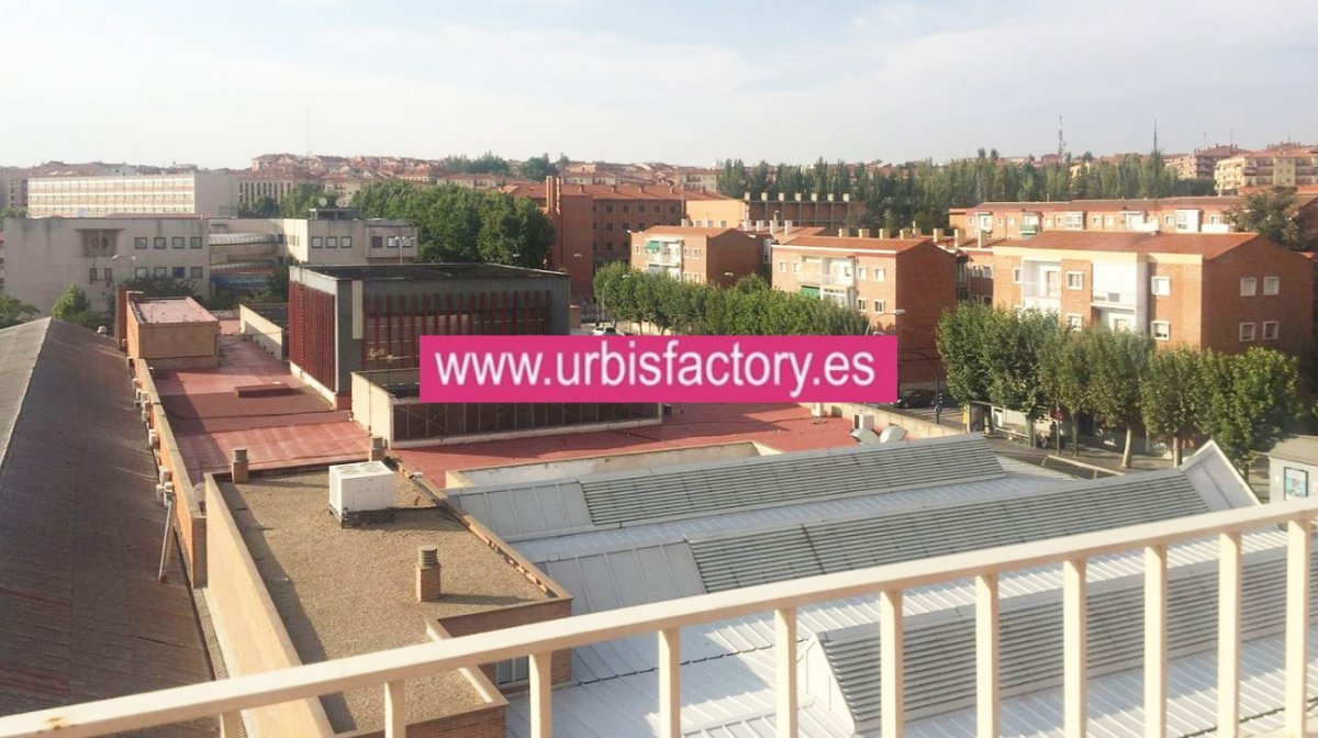 Atico en alquiler en San Bernardo, Salamanca