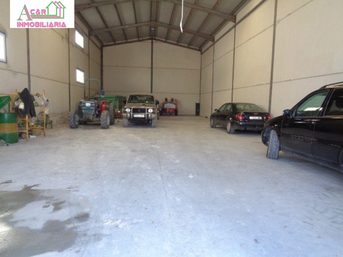 barraca industrial venta baena en la zona de poligono industrial quiebracostillas ref 00831