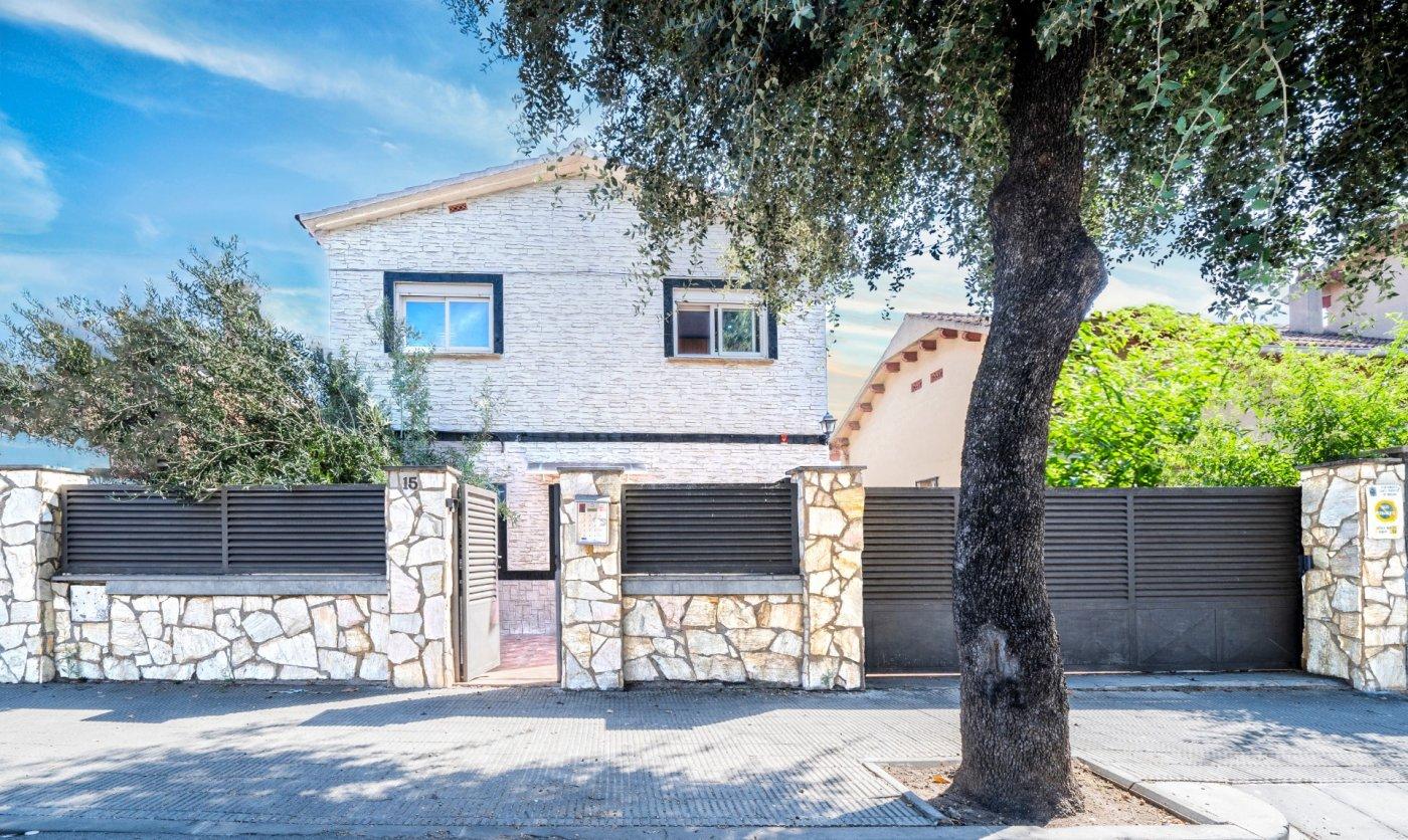 casa en santa-perpetua-de-mogoda · la-florida 379900€
