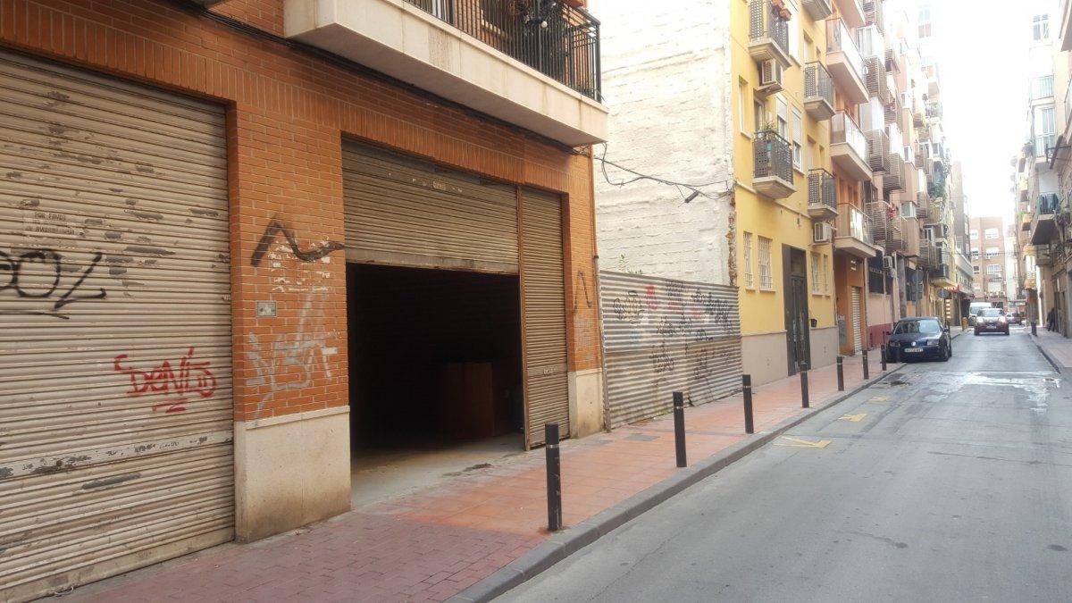 Alquiler de bajo comercial en el barrio del carmen - imagenInmueble2