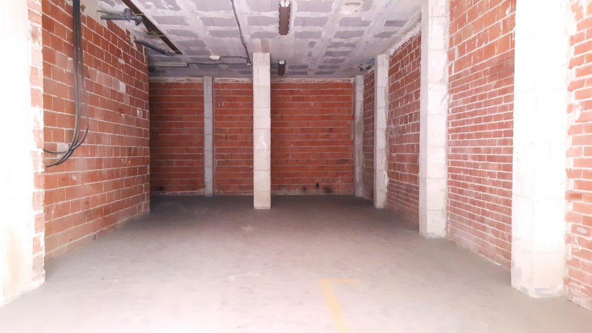 Alquiler de bajo comercial en el barrio del carmen - imagenInmueble3
