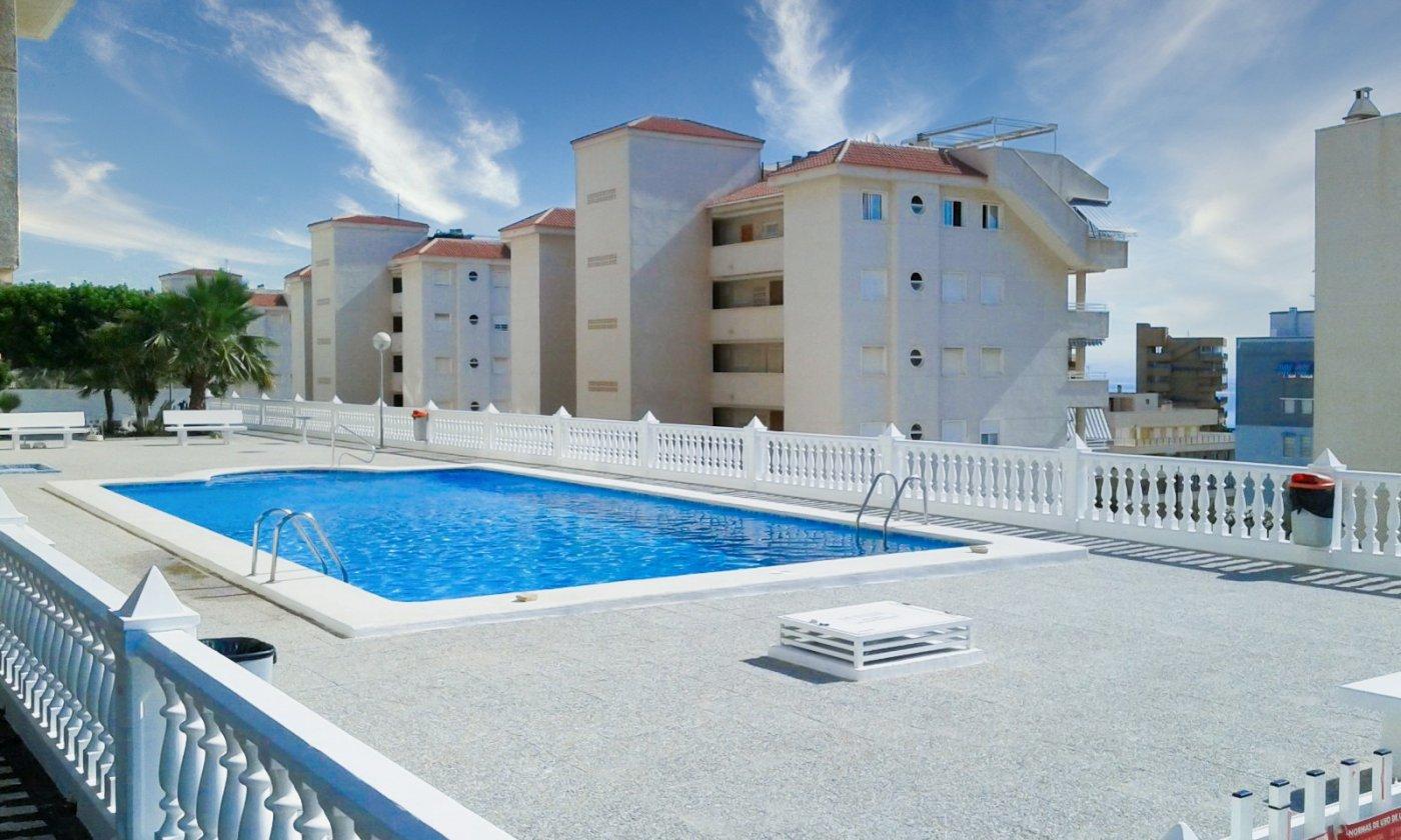 apartamento en arenales-del-sol · tercera-linea-playa 70000€