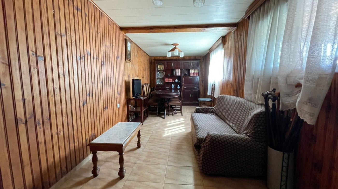 Casa 215 m2. 3 km centro sta.cruz. finca 580 m2. - imagenInmueble14