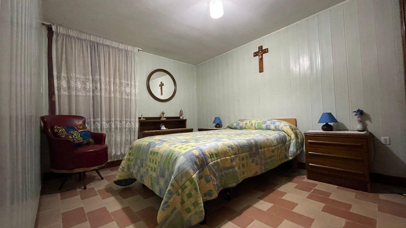 Casa 215 m2. 3 km centro sta.cruz. finca 580 m2. - imagenInmueble15