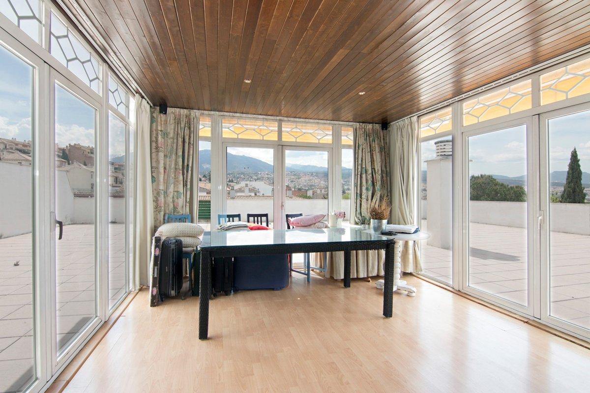 Ático Premium, con terraza de 250m2, piscina comunitaria, garaje, trastero...., Granada