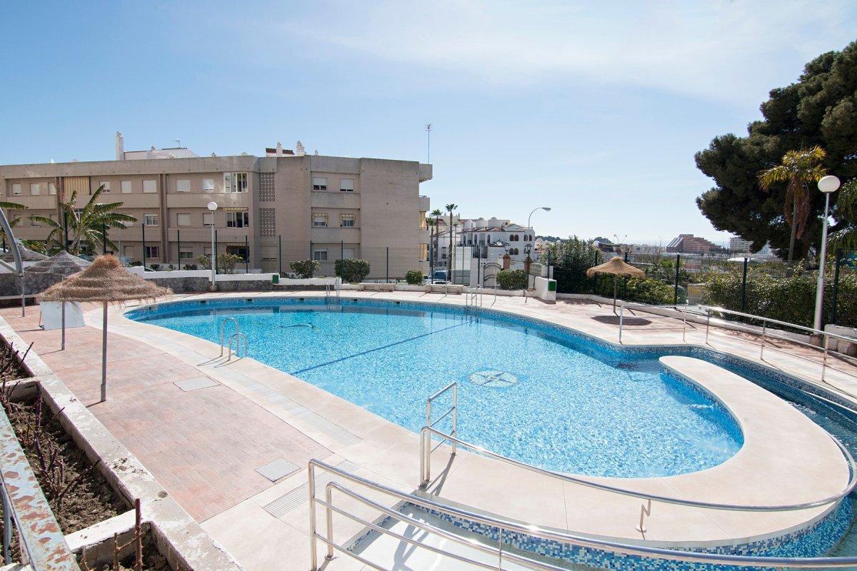 Bonito apartamento dentro de urb. privada, piscina, ascensor, 2 dor......., Granada