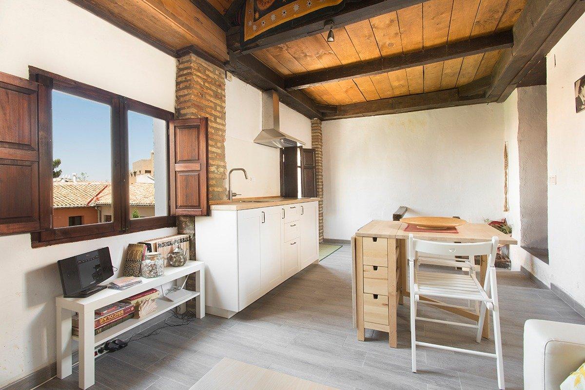 Bonito apartamento duplex, cerca de Gran Via, Granada