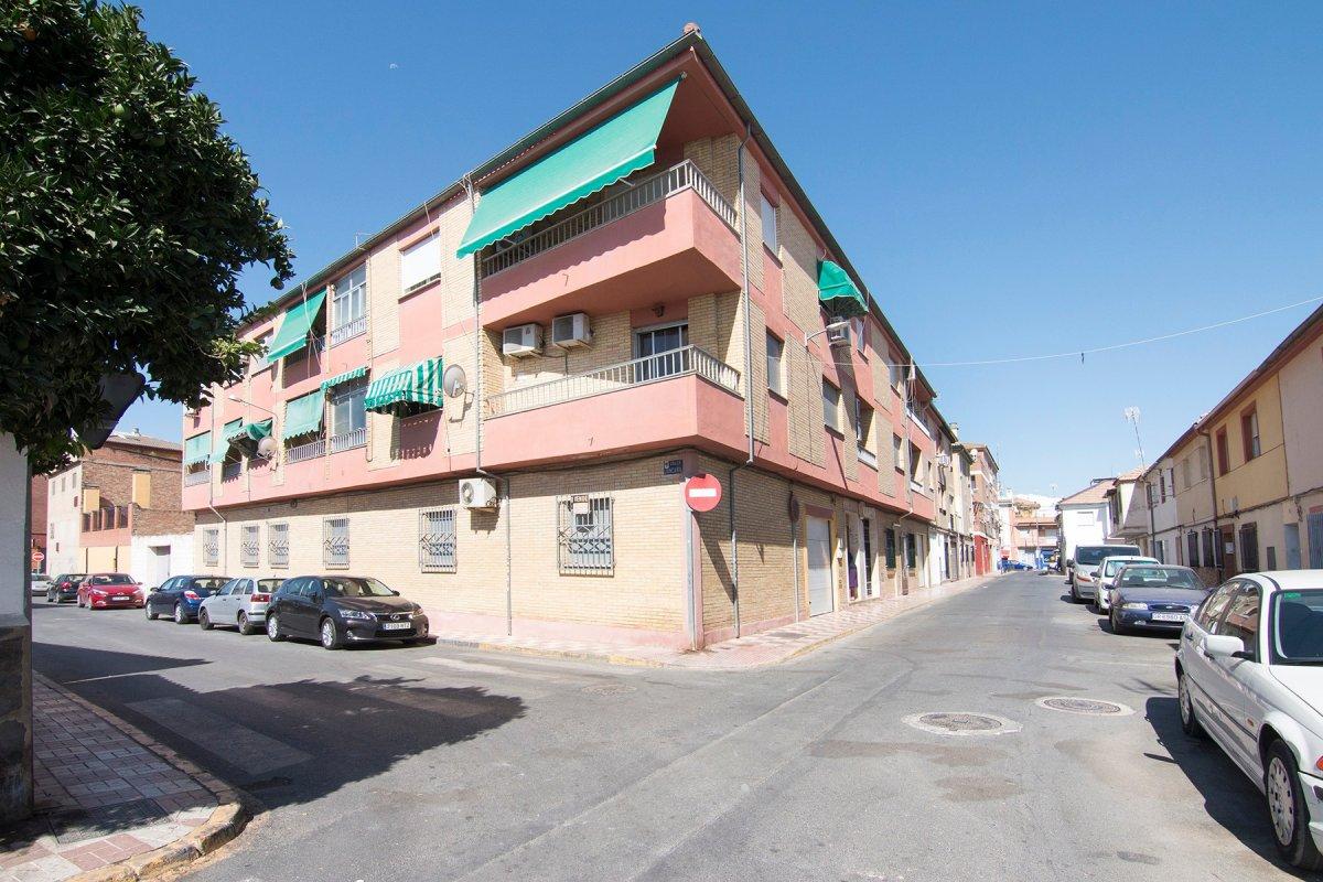 Gran casa de 220m2 en el corazón de Albolote, con piscina, garaje, 4 dormi...., Granada