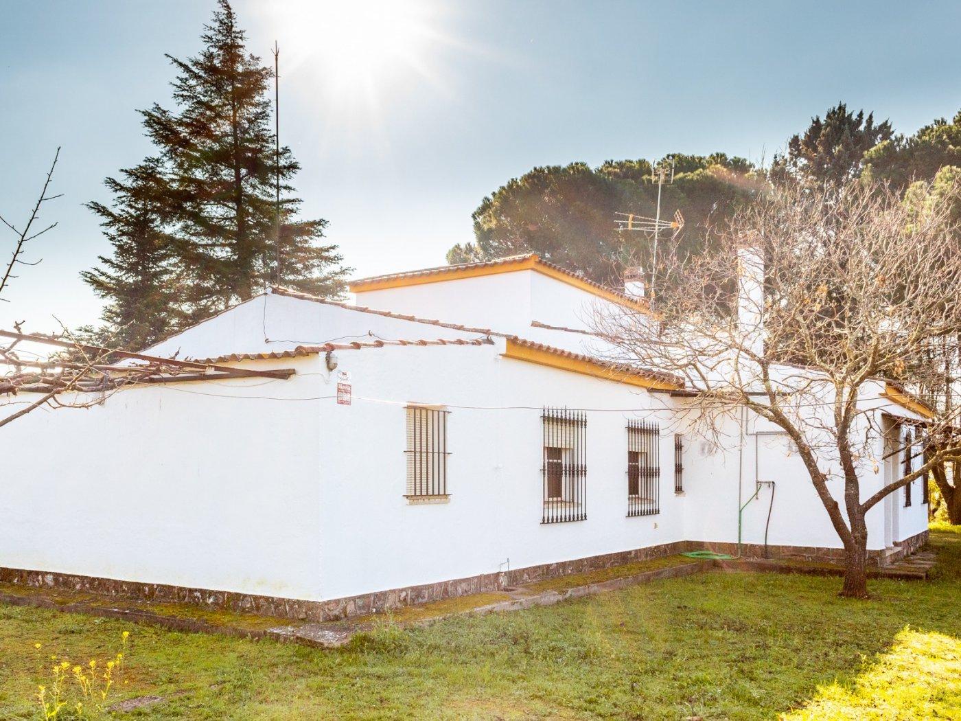 Chalet · Valverde De Leganes · CTRA. DE VALVERDE 185.000€€