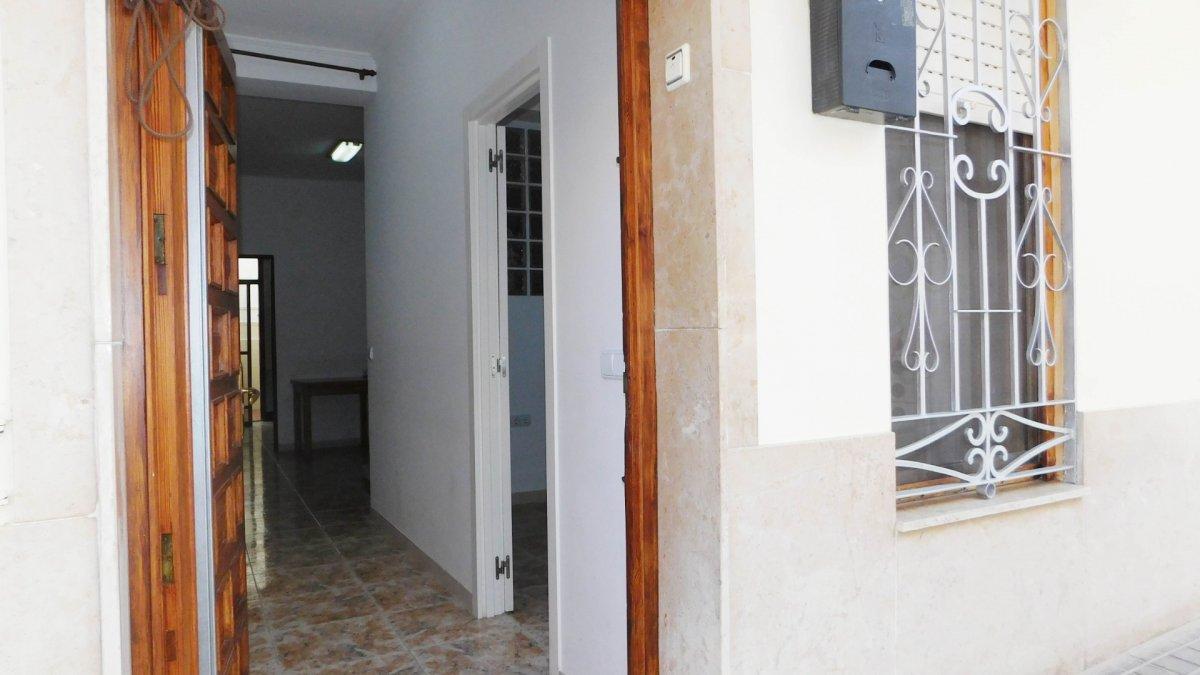 casa en la-vall-duixo · centro 77000€