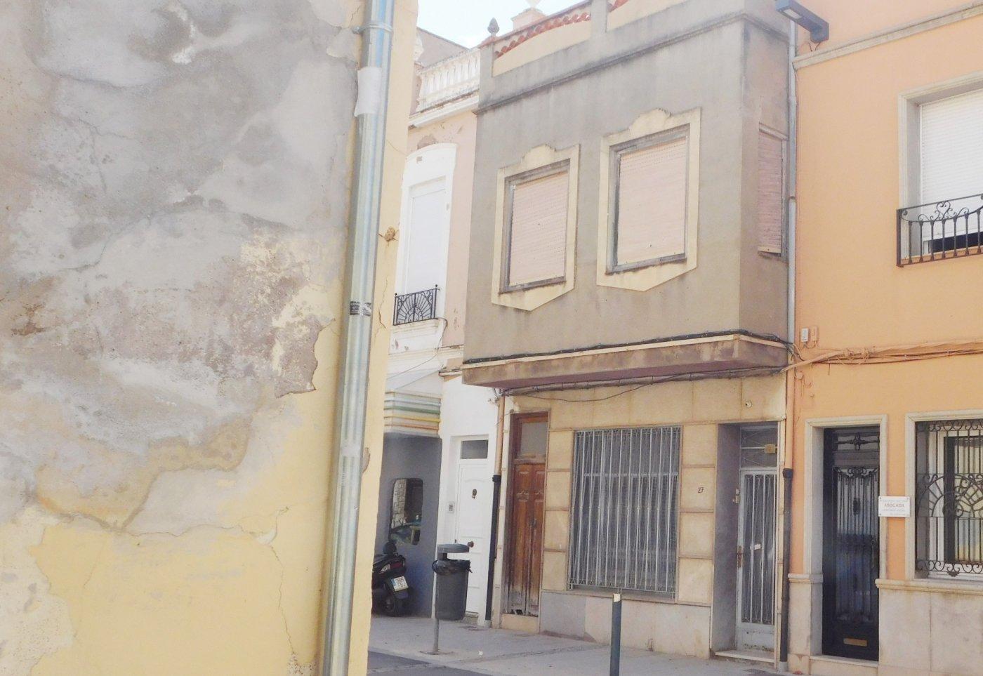 casa en la-vall-duixo · centro 47500€