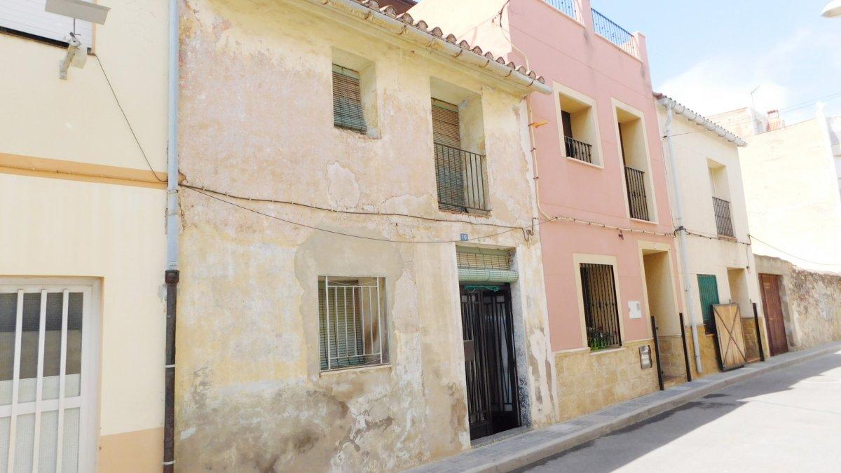 casa en la-vall-duixo · asuncion 49900€
