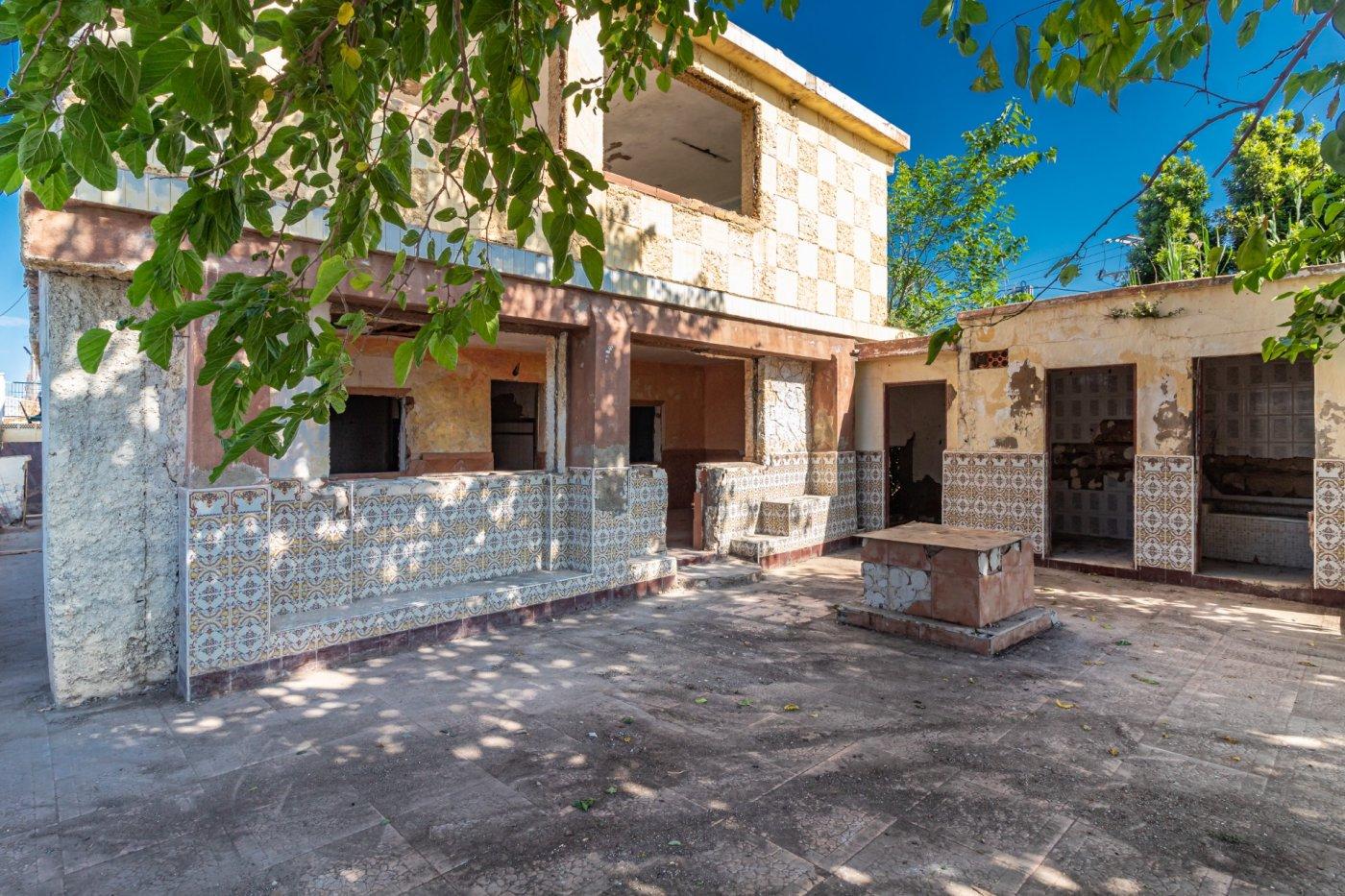 casa-con-terreno en castellon---castello-de-la-plana · grao-de-castellon 36000€