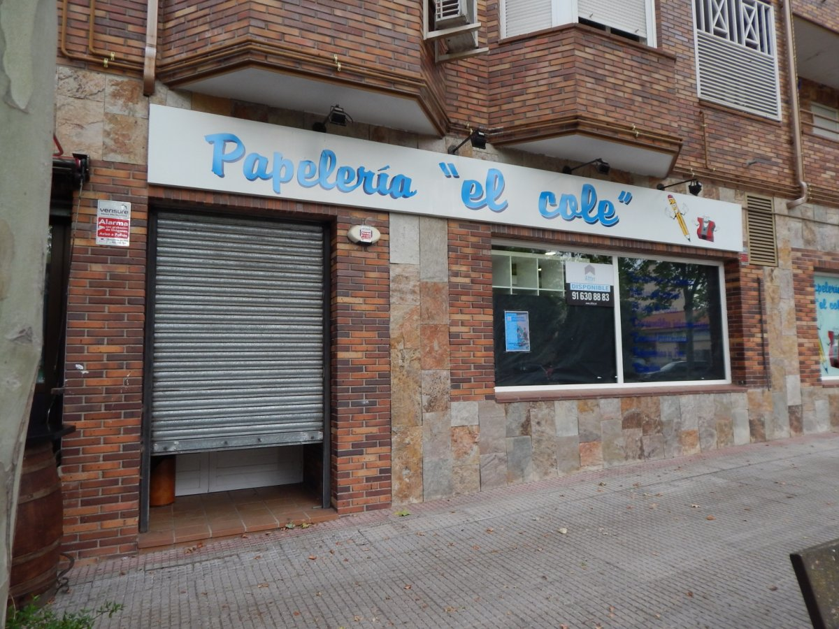 local-comercial en villanueva-del-pardillo · casco-urbano 900€